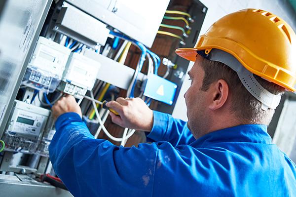 Installation, technicien FusionCom